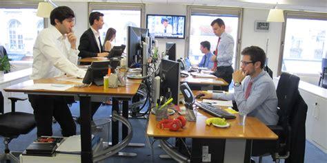 travailler debout bureau travailler debout quot on se sent mieux et plus productif quot