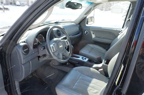 jeep liberty limited interior 2005 jeep liberty interior pictures cargurus