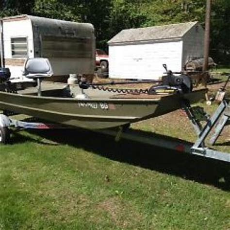 lowe 1436 jon boat price lowe 1436 2001 for sale for 2 000 boats from usa