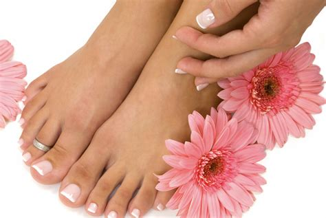 perfect pedicure it s beauty tip thursday dare to bare your feet sam