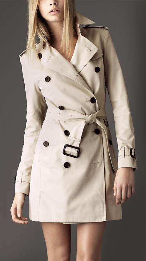 Dress Katun Classic Krem Termurah currently coveting a burberry trench a side of vogue