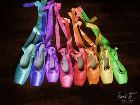 colored pointe shoes colorful pointe shoes ballet www imgkid the image