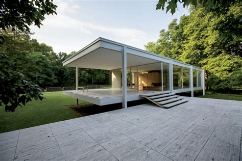 Dream House Design by Less Means More In Minimalist Farnsworth House Illinois