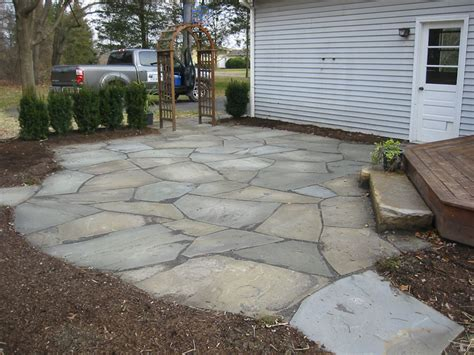 Rock Patio Designs More Patio Pictures Flagstone Patios And Patio Pavers