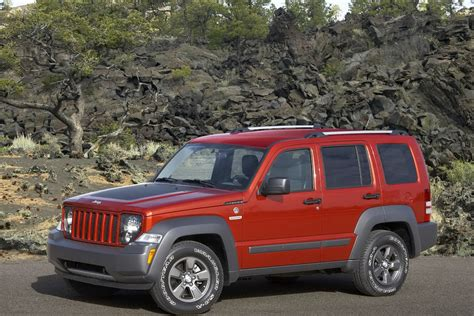 jeep nitro ford and chrysler group recalling certain models