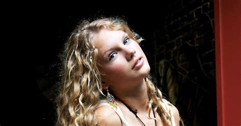taylor swift age in 2006 taylor swift age 15 photos the life and career of