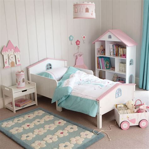 toddler girl bedrooms small toddler room 2