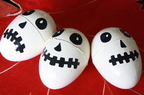 como decorar huevos del hombre araña calaveras de huevos kinder para halloween actividades