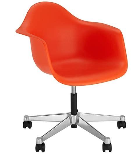 sedie eames vitra eames plastic armchair pacc sedia girevole vitra milia shop