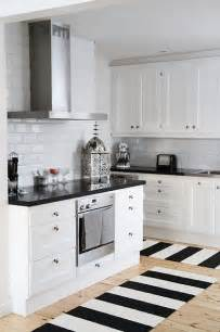 Images Of Black And White Kitchens - chic black and white kitchen stunning home decor amp design pinter
