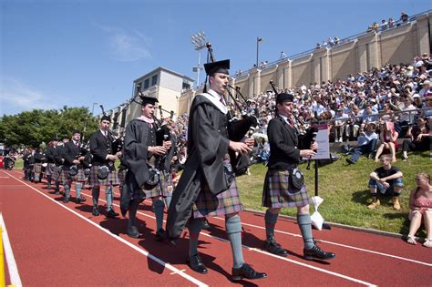 Carnegie Mellon Mba Graduation Day by Carnegie Mellon Graduates To Drumming Instructor Pipes Drums