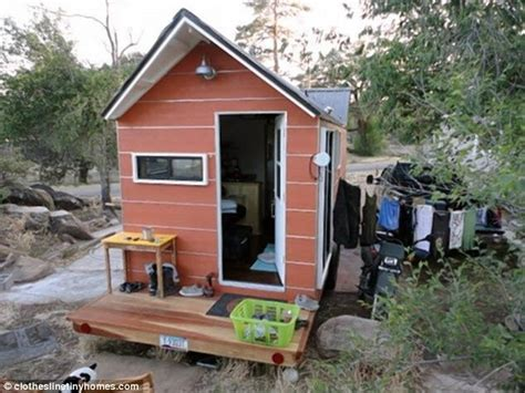 arizona tiny house arizona couple give up 3 bedroom house to live simple life