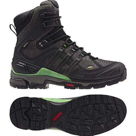 Sepatu Boots Merk Cat sepatu ke ren dan murah