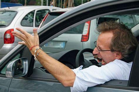 abbonamento al volante ma quanto si litiga al volante cinque guidatori da evitare