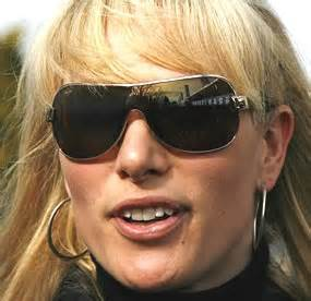 Phillips Sun L by Zara Phillips Tindall Takes Gold On Toytown World
