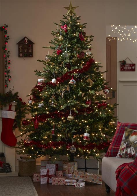 give your living space a real traditional christmas