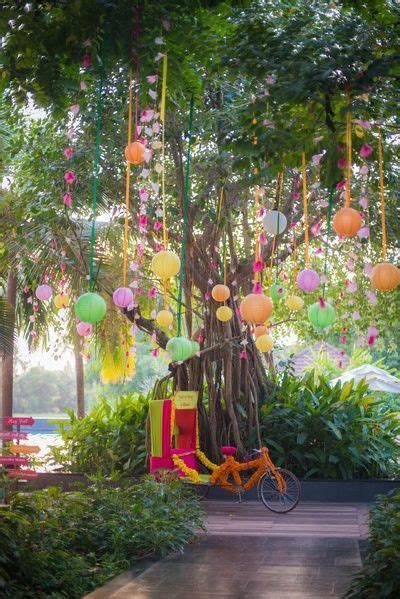 Hanging paper lanterns , cycle rickshaw, quirky mehendi