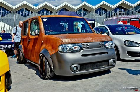 2016 nissan cube nissan cube cars for 2016 and 2017 at car and driver