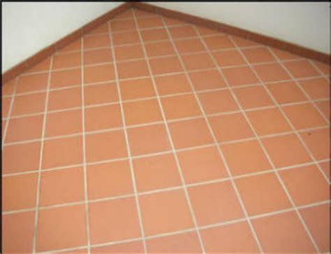 posa piastrelle in diagonale posa pavimento in diagonale semplice e comfort in una