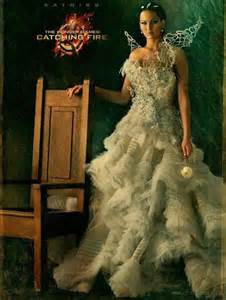 Jennifer lawrence dominates in new hunger games poster