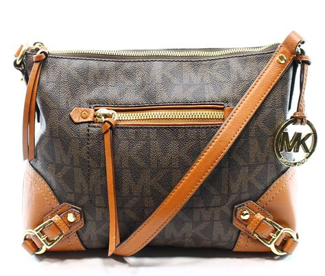 Michael Kors Messenger Crossbody Sign Brown michael kors brown signature pvc s messenger crossbody fallon bag 258
