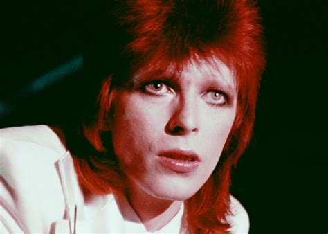 david bowie color why is david bowie the model for apple s new rock emoji