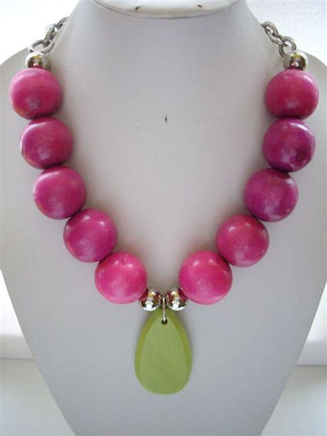 chunky fuschia pink wooden bead necklace by