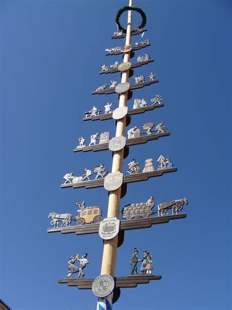A Maibaum Of Your Own by File Traunstein Maibaum Jpg Wikimedia Commons