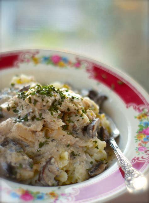 healthy crockpot chicken stroganoff chindeep