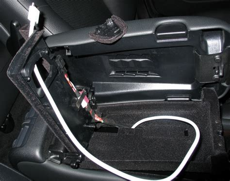 Mercedes C200 Kompresor 2004 Car Cover Tutup Mobil Sel S diy setting up the aux input for ipod mp3 player etc