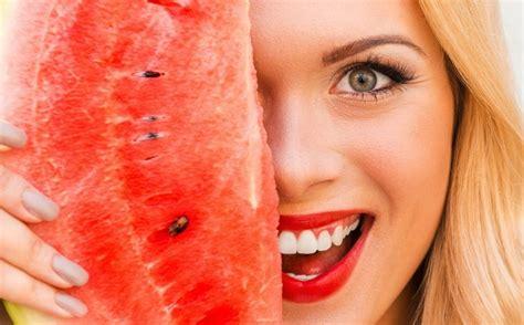 alimenti creano gonfiore cibi anticaldo ecco quali scegliere it