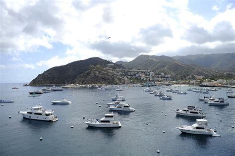 boats to catalina island from los angeles 3 killed when boat capsizes off catalina island los