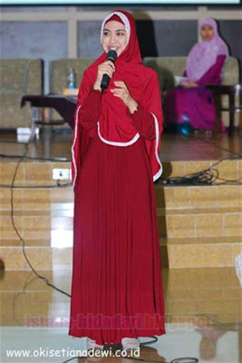 jilbab lebar ala oki setiana dewi