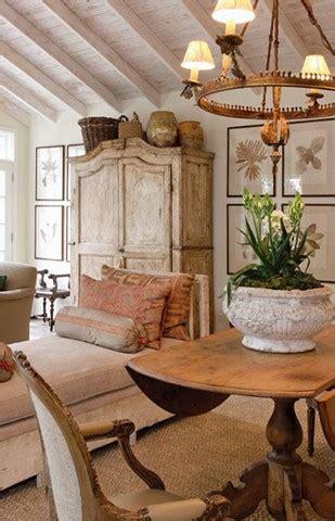 decorate  top   cabinet