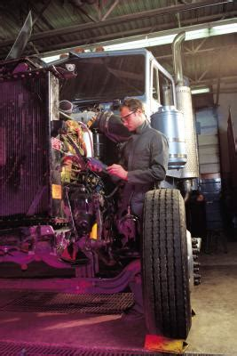 boat mechanic average salary salary for a heavy equipment diesel mechanic our