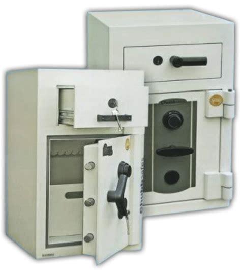 Kunci Lemari Besi brankas yang cocok untuk anda cv maxima protektama