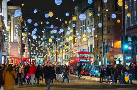 imagenes para decorar las calles en navidad 191 por qu 233 se iluminan las calles en navidad ayre hoteles