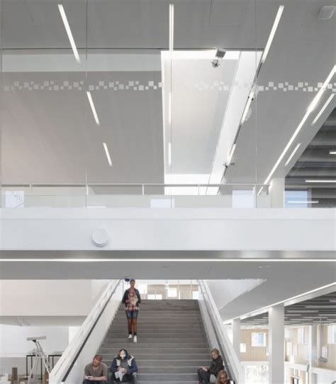 Interior Design Schools In Wisconsin by Interior Design Schools Of Modern And Traditional Staircase
