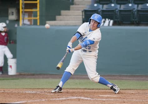 Lights Out Baseball by Darkness Forces Ucla Baseball Into Tie With Ucsb