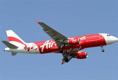 airasia young passenger mid air scare on airasia flight cabin pressure drops