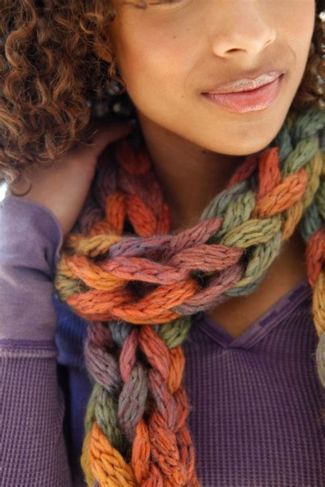 how to finish finger knitting a scarf how to finger knit a scarf tutorial and patterns stitch