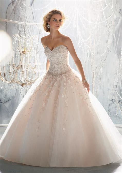 Bridal Party Looks   How to Choose the Wedding Attire