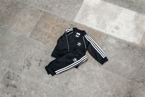 adidas superstar suit blackwhite dv