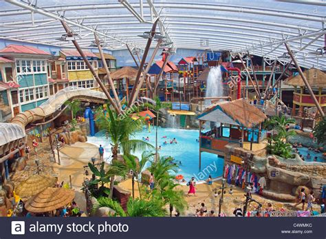 theme park resorts uk alton towers waterpark at splash landings hotel alton