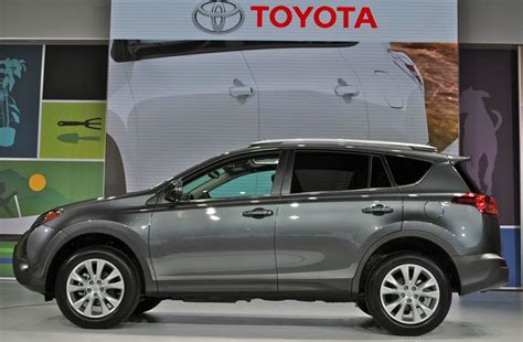 Toyota Rav4 2014 Msrp 2014 Toyota Rav4 Information And Photos Momentcar