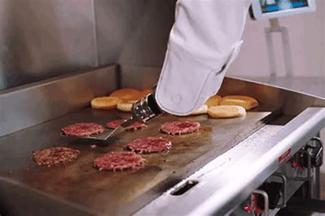 ate  burger   flippy  burger flipping robot