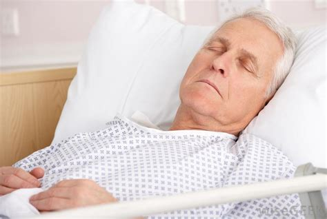 old man in bed what is life support with pictures