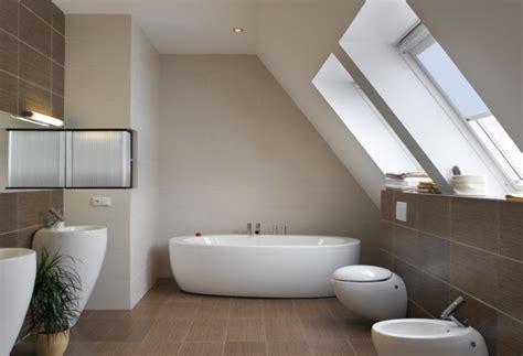 idee bagni moderni bagni moderni per mansarde idee e consigli edilnet