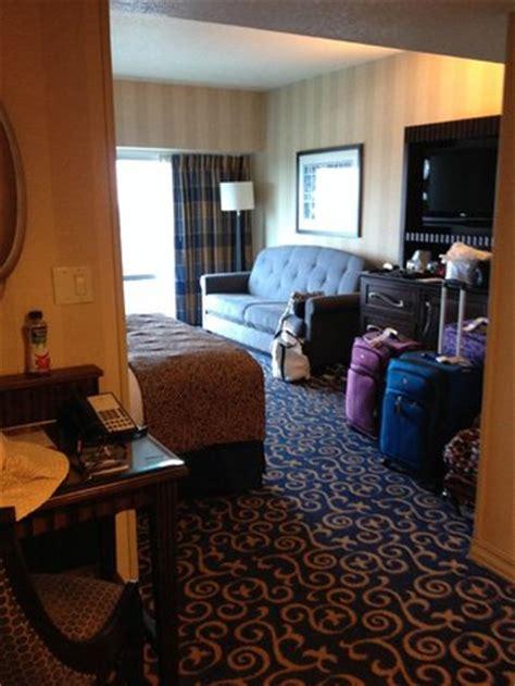 Disneyland Hotel Frontier Tower 12th Floor Rooms - carpet in elevator lobby picture of disneyland hotel