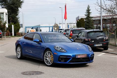 blue porsche panamera 2017 porsche panamera looks great in blue autoevolution